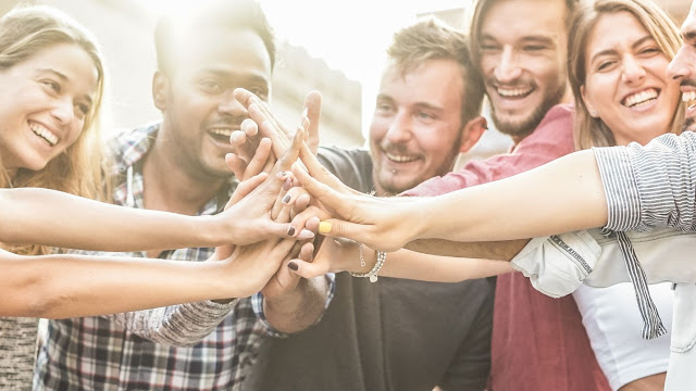 3 surprising tips on how to create more engaged & happy teams